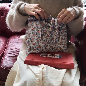 BLOMMA Petite Square Tote Bag (Flower)